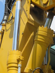 VÉRIN (emilyD98) Tags: pelleteuse chantier pellehydraulique vérin détail constructionsite komatsu engin travaux hydraulic digger excavatrice excavator pw146