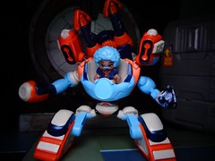 Coach (ridureyu1) Tags: ready2robot robot mecha mech pilot toy toys actionfigure toyphotography sonycybershotsonycybershotdscw690