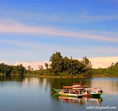 Perahu yang tertidur di Situ Patengan