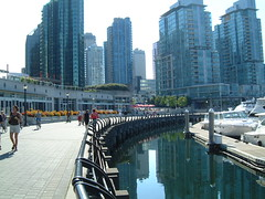 Along the Sea Wall (wasme) Tags: vancouver britishcolumbia coalharbour