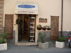 tropea (vv) (paula agostino) Tags: italy italia calabria tropea prodotti valentia vibo tipici