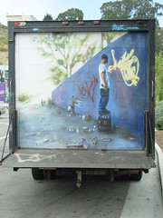 Graffiti on a truck (Franco Folini) Tags: sanfrancisco california street usa streetart art wall truck photography graffiti us mural foto arte sony murals wallart urbanart camion tight fotografia murali murale autocarro dscf707 francofolini folini