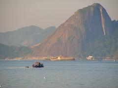 Boa quinta !!!! (21guilherme) Tags: brazil rio brasil riodejaneiro boat barco paisagem urbannature bateau 21guilherme saudades brésil baiadaguanabara thephotosoflife