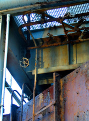 Rusty Pipes II (lefeber) Tags: metal grate la losangeles rust industrial shadows pipes ladder peelingpaint rustymetal