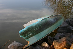 Boat in Blue (Kirsten M Lentoft) Tags: winter lake topv111 boat vinter himmel mirrow blå spejl naturescenes sø båd arresø colorphotoaward arresoe momse2600 kirstenmlentoft