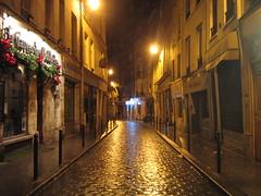 Rue Galande (ole) Tags: street paris france night bravo europe nightshot background explore latin rue quartierlatin 75005 explored galande outstandingshots caveaudesoubliettes abigfave noticings