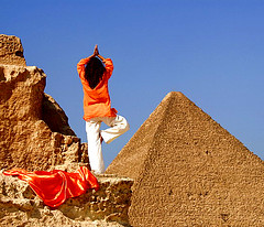 Yoga at Giza (Fiona Ayerst) Tags: yoga pyramid egypt cairo giza