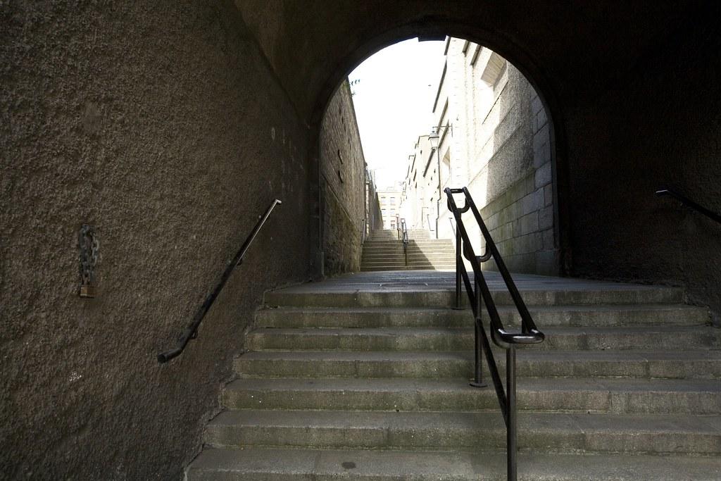 Laneway beside Dublin Castle (Ireland)