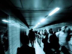 (edwardkb) Tags: uk people blur london topf25 europe angle sony perspective eu fast cybershot tint iphoto bleak paddington rushhour dsct7 ruvjet edwardbarnieh