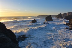 Bedruthan Steps, Cornwall (Nige H (Thanks for 12m views)) Tags: nature landscape sea ocean waves sunset cornwall england atlanticocean southwestengland kernow hightide seascape coast coastline bedruthansteps