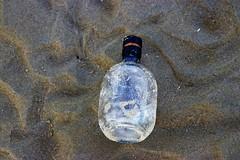 2018 Weekend Ouddorp (Steenvoorde Leen - 7.8 ml views) Tags: oudd0rp 2018 strand kust küste noordzee fles bottle verlosdezee