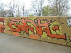 398 (en-ri) Tags: ank tots crew fifty arancione nero parco dora torino wall muro graffiti writing giallo