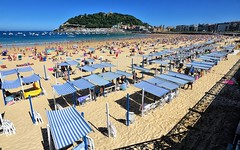 La Concha (Perfect Gnat) Tags: concha playa sansebastian guipuzcoa espana paisvasco beach sea summer seaside people sun