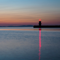 North pier light (Alf Branch) Tags: westcumbria water whitehaven sea seaside seascape seashore cumbria calmwater bluehour dusk irishsea sunset summer alfbranch zuiko zuiko1240mmf28pro olympus omd olympusomdem5mkii