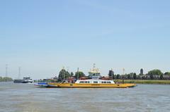 Kinderdijk 26.6.18 (78) (rspeur) Tags: kinderdijk countryside ships boats