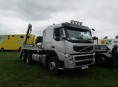YT62 DKY at Party on the Pitch truck show (Joshhowells27) Tags: lorry truck volvo fm skip unmarked