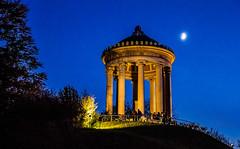 moonlight serenade (werner boehm *) Tags: wernerboehm monopteros garten munich englischergarten architektur