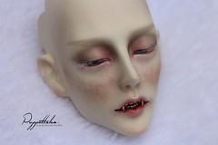 Gluino (Puppet Tales Dolls) Tags: ooak ooakdoll doll repaint dollrepaint gluino soom soomgluino bjd balljointeddoll idealian faceup makeup art draw vampire vampiredoll