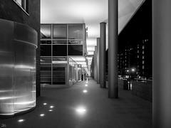 Säulenweg-sw_7202452 (clauslabenz) Tags: deutschland hamburg hafen hafencity architektur street sw