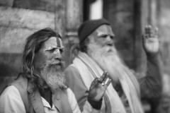 0733 Hindu Sadhus (Hrvoje Simich - gaZZda) Tags: man two sadhus nepal asia kathmandu beard monochome blackwhite holy wise nikon nikond750 lensbaby velvet 8518 lensbabyvelvet8518 gazzda hrvojesimich