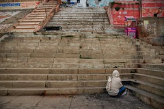 Last Warmth of Fire (shapeshift) Tags: nikon d5600 shapeshift shapeshiftnet stairs lotsofsteps streetphotography travel riverbank riverside riverfront waterfront banaras benares kashi ghat ghatsofvaranasi varanasi uttarpradesh india in shri nishadraj homeless steps cornersteps