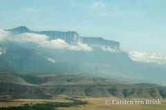 Parque Nacional Canaima (10b travelling / Carsten ten Brink) Tags: carstentenbrink 10btravelling 2018 americas canaima canayma iptcbasic latinamerica latinoamerica parquenacional southamerica venezuela venezuelan venezuelano aerial cmtb landscape mountain nationalpark tablemountain tenbrink tepui view