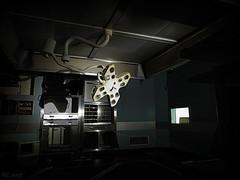 Le bloc science-fiction. (Renaud49) Tags: hopital abandonné hopitalabandonné bloc opératoire lampe scialitique