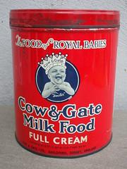 "Vintage 1950's Cow & Gate Full Cream Milk Food "" The Food Of Royal Babies "" Advertsing Tin (beetle2001cybergreen) Tags: vintage 1950s cow gate full cream milk food thefoodofroyalbabies advertsing tin"