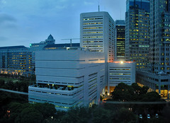 Tipikal Bank Indonesia - in the dusk (That's not the way Debbigail depicted (using album) Tags: jakarta building gedung architecture arsitektur office kantor
