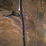 Bird-eye view of a highway through a wasteland / Vogelperspektive einer Autobahn durch ein Ödland thumbnail