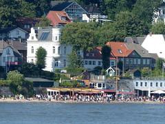 Sommer in der Großstadt- summer in the city (Anke knipst) Tags: hamburg oevelgönne germany strandperle restaurant strand beach elbe river
