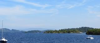 Grande vue sur le Loch Lomond, Luss, Argyll and Bute, Ecosse, Royaume-Uni.