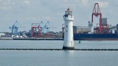 Perch Rock lighthouse, New Brighton c (Dugswell2) Tags: perchrocklighthouse newbrighton