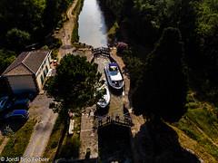 Resclosa de Jouarres a vista de dron / Esclusa de Jouarres a vista de dron / Jouarres lock drone view / Ecluse de Jouarres en vue de drone (Jordi Brió) Tags: aeria france djifc2103 fc2103 occitanie eau canaldumidi waterchannel vaixells barcos djimavicair dron mavicair agua jordibrio drone esclusa barco frança aziile boat aereo francia bateaux valixell aerial occitania canal aigua ecluse bateau boats aeri aude jouarres aerea eclusedejouarres resclosa water dji
