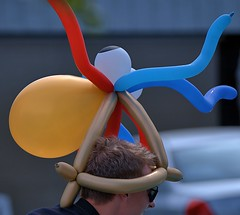 Balloon Hat (Scott 97006) Tags: guy balloon hat parade head spectacle