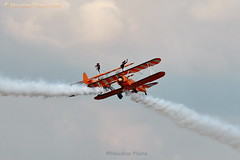 Aerosuperbatics Wingwalkers (Noodles Photo) Tags: farnboroughinternationalairshow2018 farnborough airshow farnboroughinternationalairshow hampshire england greatbritain unitedkingdom canoneos7dmarkii tamronsp150600mmf563divcusdg2 airplanes plane farnboroughairfield aerosuperbaticswingwalkers aerosuperbatics wingwalkers boeingstearmanmodel75 stearmanmodel75 wingwalking stearman kaydet biplane stunt