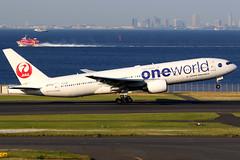 Japan Airlines   Boeing 777-200   JA771J   oneworld livery   Tokyo Haneda (Dennis HKG) Tags: aircraft airplane airport plane planespotting oneworld canon 7d 100400 tokyo haneda rjtt hnd japanairlines jal jl japan boeing 777 777200 boeing777 boeing777200 ja771j