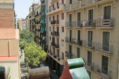 Street view from the roof of Casa Vicens, Barcelona (*SHERWOOD*) Tags: spain barcelona casavicens antonigaudí