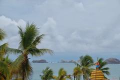 Thar she blows! (jiturbe) Tags: pirata pirate sea mar ocean oceano ola waves nubes clouds rocas rocks palms palmeras beach playa ixtapa travel mexico