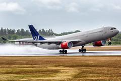LN-RKU Airbus A330-343 SAS Scandinavian Airlines (Andreas Eriksson - VstPic) Tags: scandinavian 939 los angeles departing heavy rain lnrku airbus a330343 sas airlines
