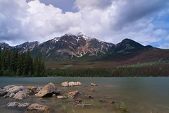 Lake in Jasper Canada. (Jochem.Herremans) Tags: canada fietstocht lake park national nature banff beautiful landscape rocky alberta water travel louise tourism mountain forest jasper autumn blue sky green natural scenery outdoor view reflection vacation scenic peak maligne canadian island beauty spirit color emerald red summer concept tree outdoors day sport canoe clean environment leisure relaxation scene