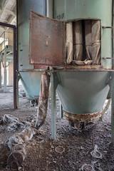 (bananahh) Tags: abandoned decay industrial leerstehend verlassen verfall produktion industrie veb