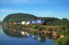 CR GP40-2 3363 SD60M 5583 and DH RS11 north bound at Marlboro NY (swissuki) Tags: cr conrail marlboro ny westshore riverline railroads gp402 sd60m rs11 dh us