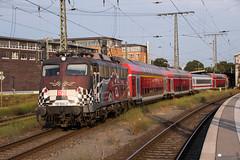 """115 509 """"DB/80 Jahre Autozug"""" mit PbZ 2450 - 25.07.2018 - Bremen Hbf (D) (Frederik L.) Tags: db bahn zug auto deutsche personenzug eisenbahn train altbau lok lokomotive bahnhof bremen"""