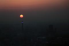 The view from The Shard (Ce Rey) Tags: london londres haze bruma sun atardecer cielo vista view air 15challengeswinner