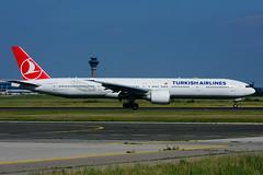 TC-LJA (Turkish Airlines) (Steelhead 2010) Tags: turkishairlines boeing b777300er b777 yyz tcreg tclja