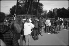 La Tour Eiffel (Franco & Lia) Tags: street photographiederue fotografiadistrada paris parigi france francia toureiffel nikon l35af2 agfa apx100 bellini hydrofen studional analog analogico argentique pellicola film biancoenero noiretblanc schwarzundweiss blackwhite epson v500 artinbw