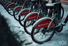 snowLondon-58.jpg (jonneymendoza) Tags: chosenones nightlife blizzard londonphotographer street streetphotography beastfromtheeast londonsnow jrichyphotography snow