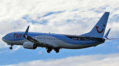 G-TAWL TUI BOEING 737 CLIMBING AWAY NEWCASTLE (toowoomba surfer) Tags: jet aeroplane airline airliner aviation aircraft ncl