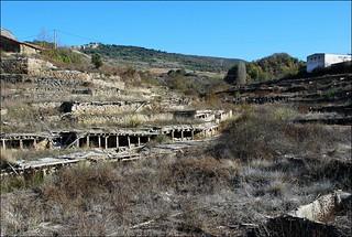 Salinas en ruinas (Añana, País Vasco, España, 24-11-2011)